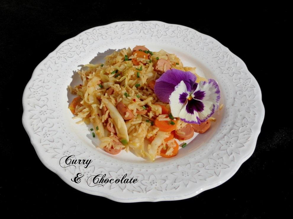 Wok de verduras con salchichas y arroz basmati
