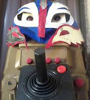 Clic en la imagen del robot escéptico calenturiento para ir a mi página personal