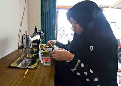 Usaha Jahitan. Foto hak cipta Medy Khadafi/Pontianak Post