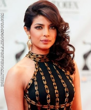 Priyanka Chopra's Hottest Pics Collection on net rare hd hq pics in black skirt