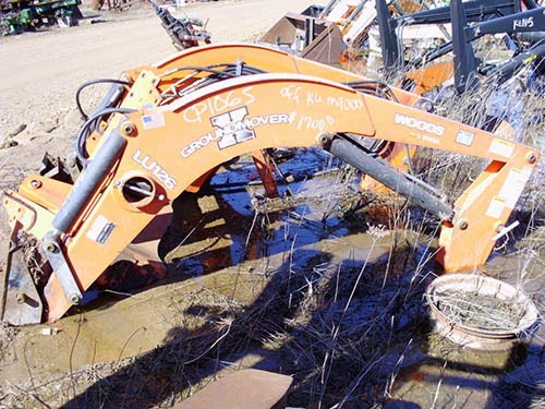 CP-1065 Kubota M9000 Loader Woods LU126