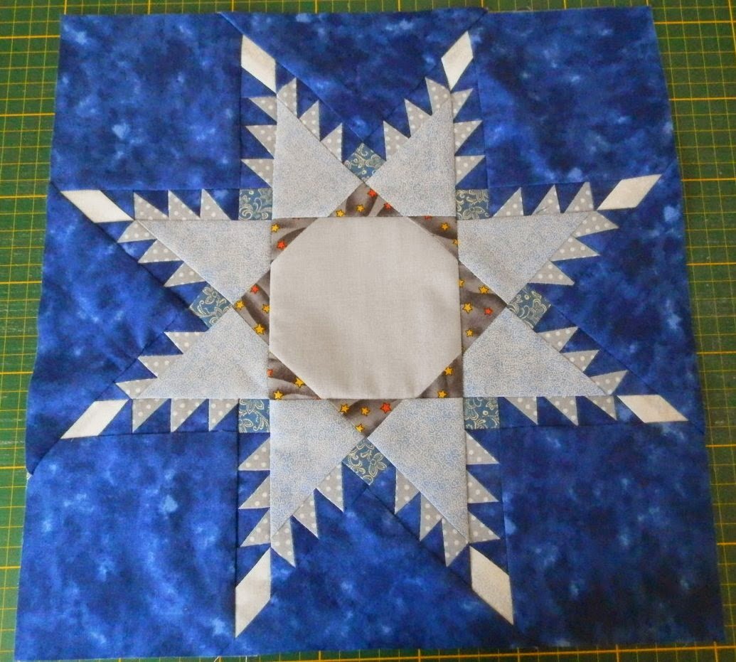 http://ancsa-pancsa.blogspot.hu/2014/09/feathered-star-tollas-csillag-tutorial.html