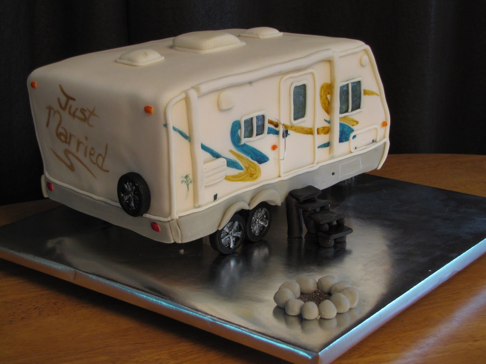Model  Cake This Time It Was A RVmotorhome Cake  Specifically A Fifth