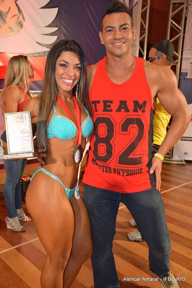 Carla Carra comemora o segundo lugar ao lado do marido Breno Neves. Foto: Alencar Amaral