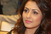 Madhu Shalini gorgeous looking photos-thumbnail-19