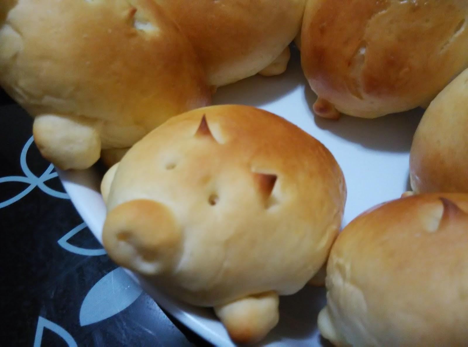 Cute-Pig-Hotdog-Bread-Bun