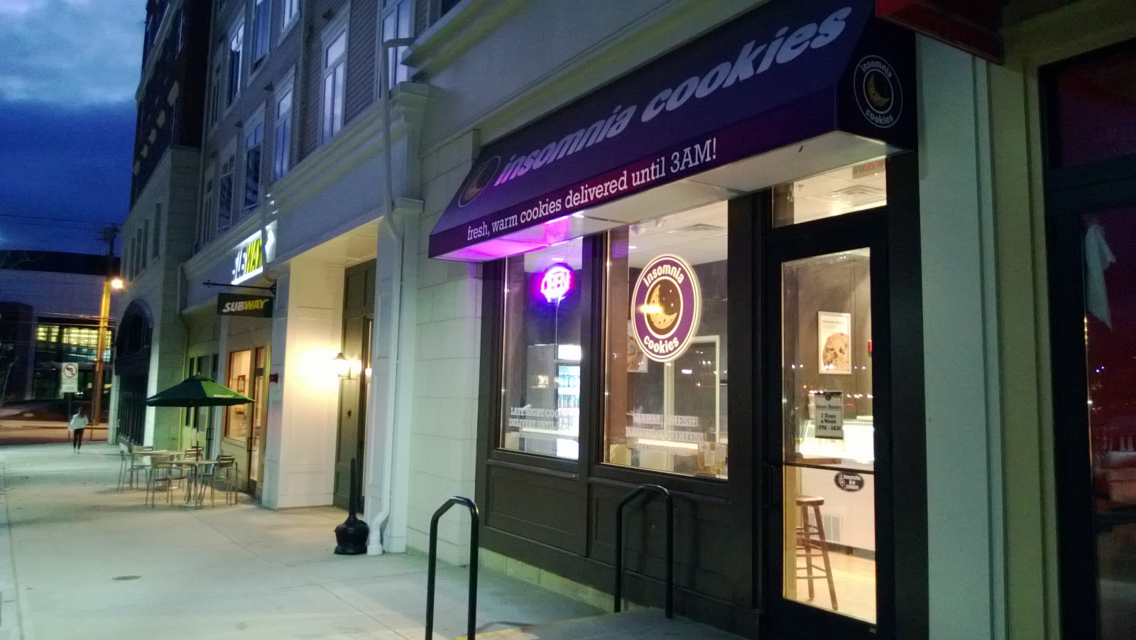 Insomnia cookies uconn