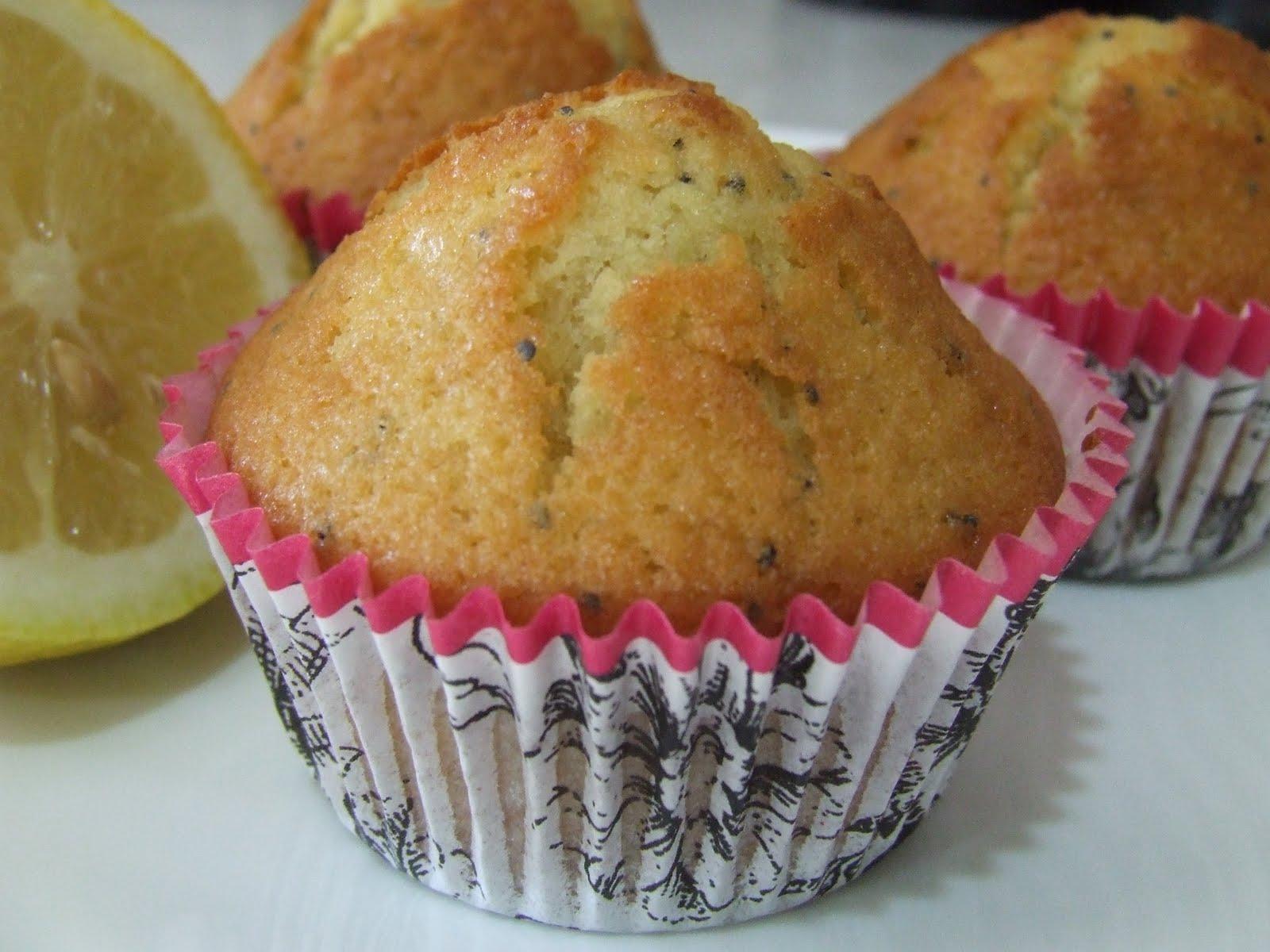 lemon+poppyseed+muffins+003.jpg