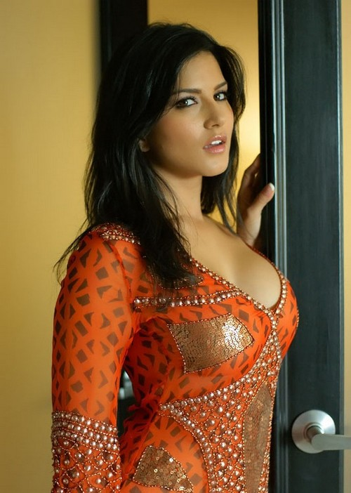 BOLLYWOODS LATEST SENSATION- SUNNY LEONE | Bollywood