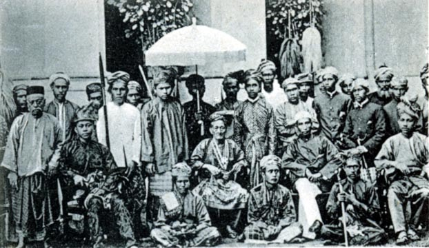the position of islamic lawin malaysia Malaysia's legal system comprises laws which have arise from three significant periods in malaysian history dating from the malacca sultanate, to the spread of islam to southeast asia, and following the absorption into the indigenous culture of british colonial rule which introduced a constitutional government and the common law.
