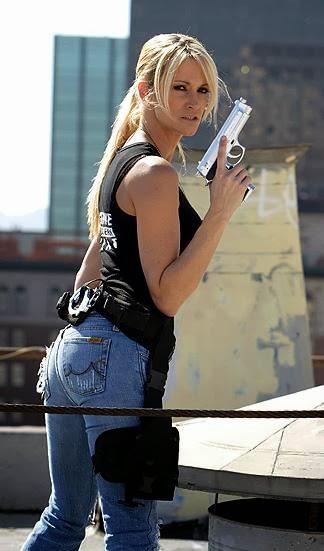 Cop girl with a gun