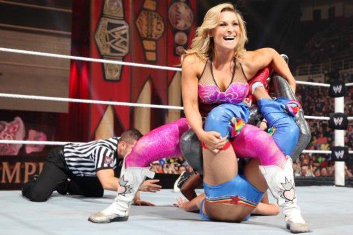 Wrestling 4 life september 2013 - Naomi curtis diva futura ...