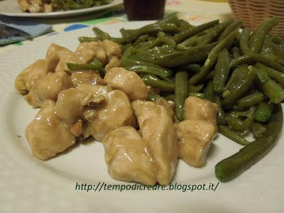 bocconcini  di pollo con noci e crema alla salsa worcester