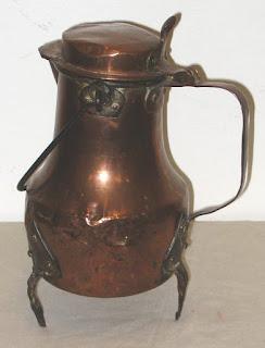 Coquemar recipiente per contenere e mantenere calde le bevande