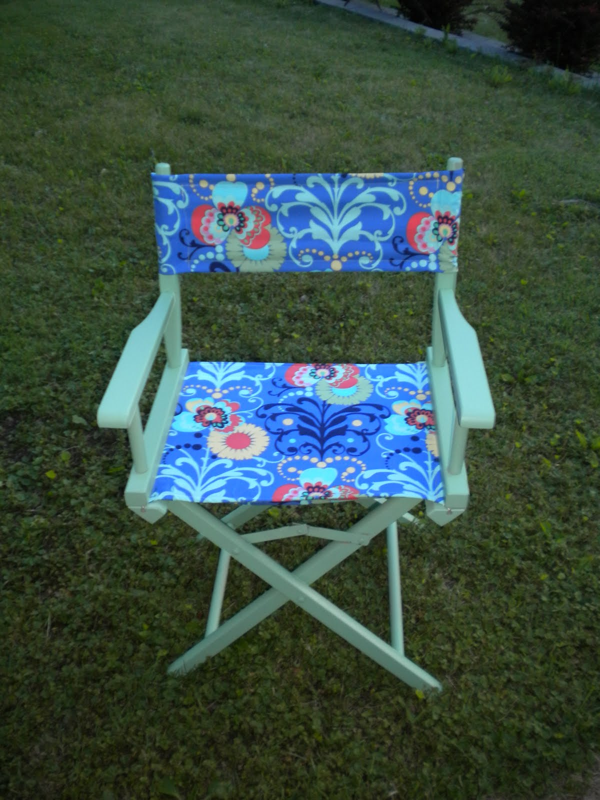 & The Dabbling Crafter: DIY Wednesday: Directoru0027s Chair Facelift