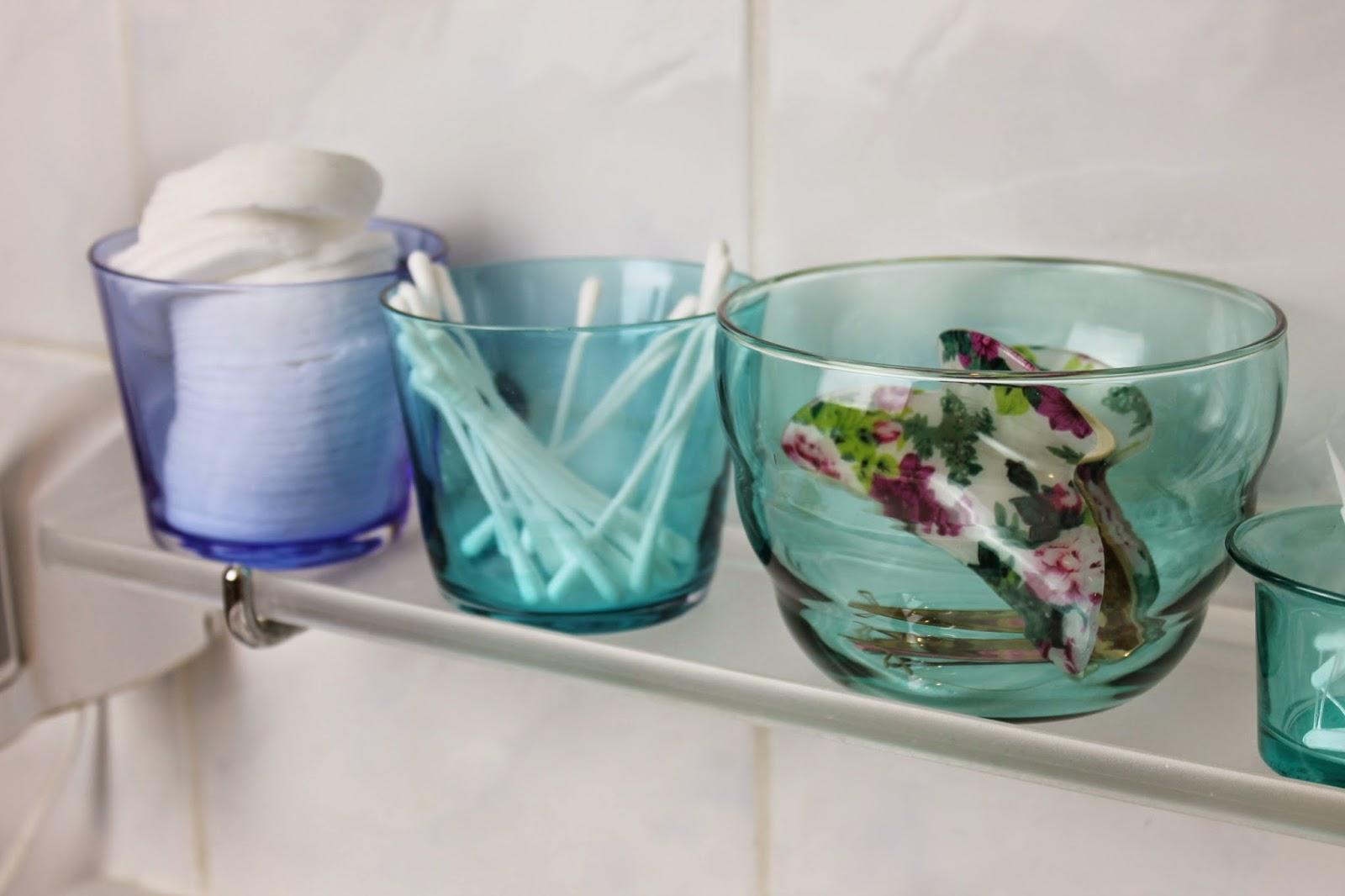 Badezimmerdeko Gläser