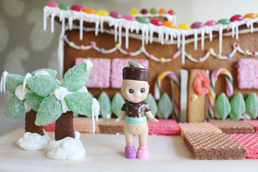 MID CENTURY GINGERBREAD HOUSE AND HOW TO MAKE ICICLES / the creative ...