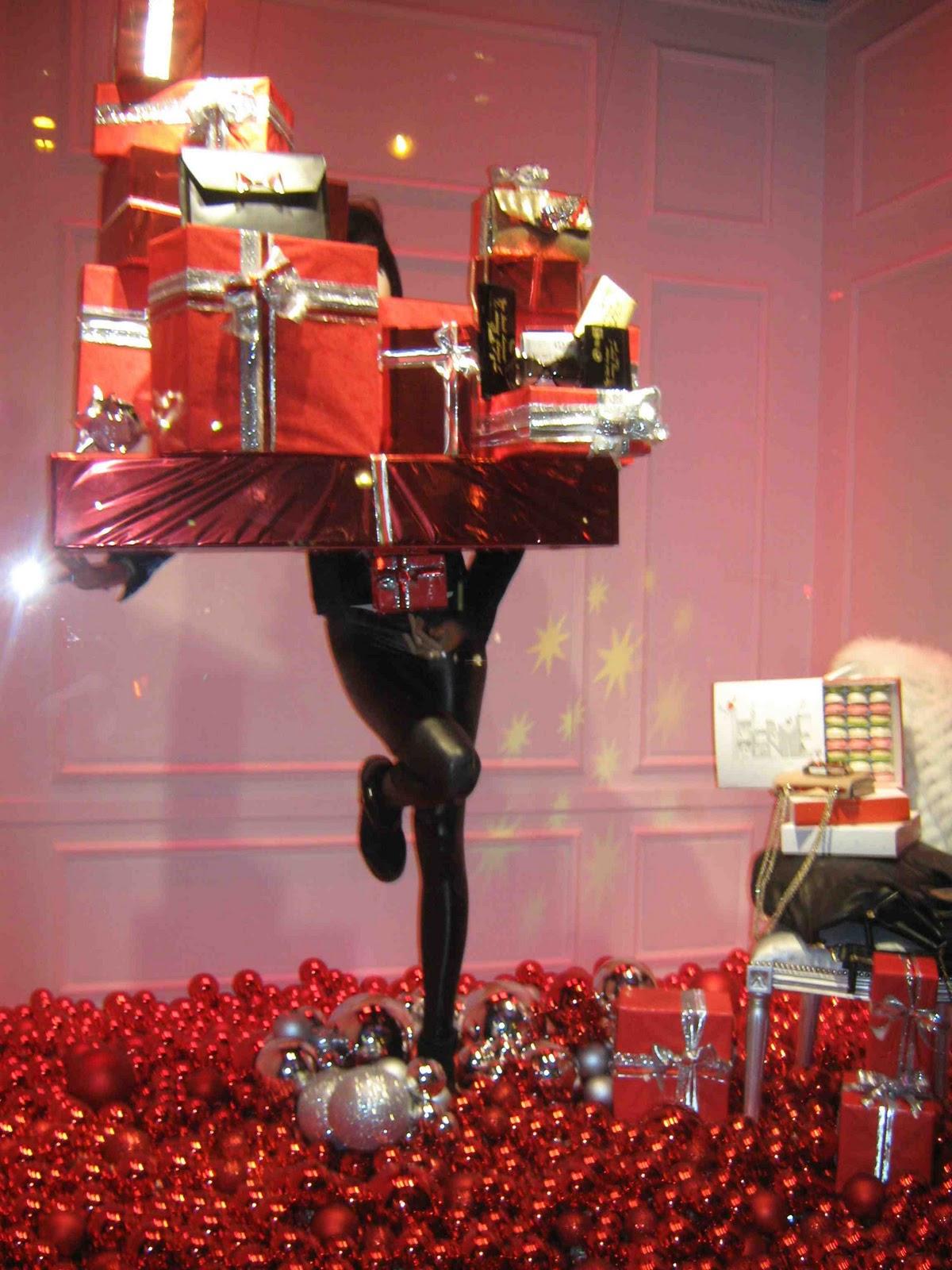 Top du meilleur les vitrines des grands magasins galeries lafayette et printemps pour noel a paris - Vitrine noel galerie lafayette ...