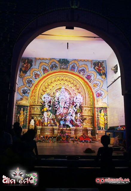 Ama Medha: College Sqaure, Cuttack Durga Medha 2015 - Photo By Ashutosh Tripathy