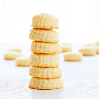 Cheddar Cheese Bites | Roxanashomebaking.com