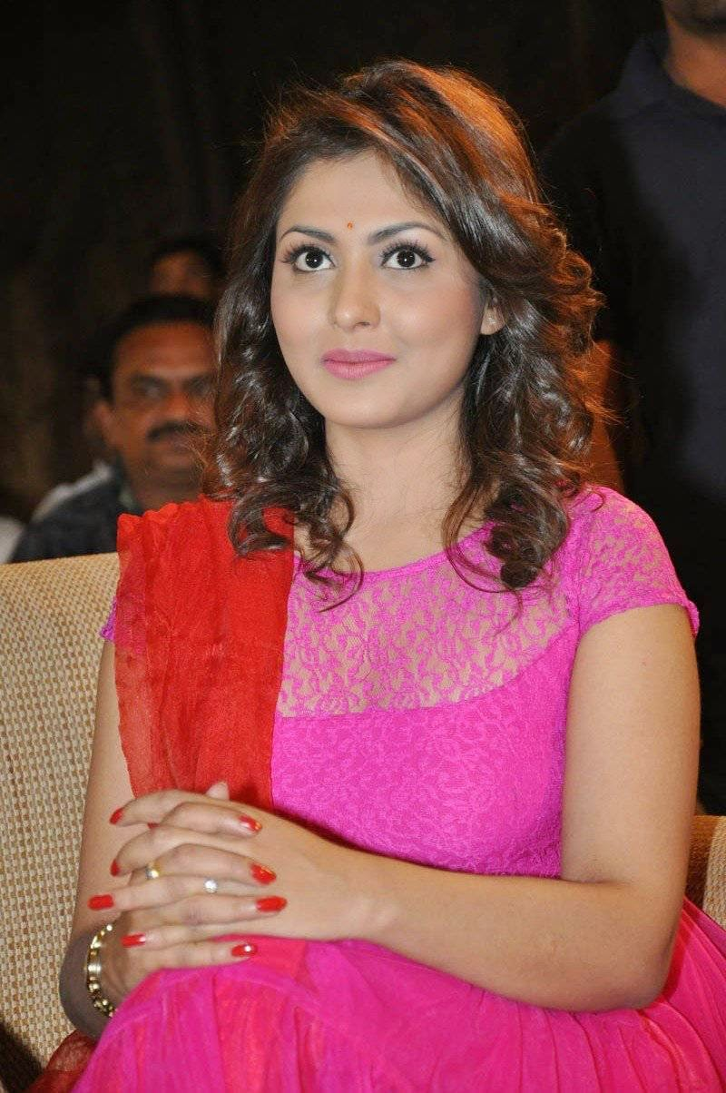 actressMADHU SHALINI pics