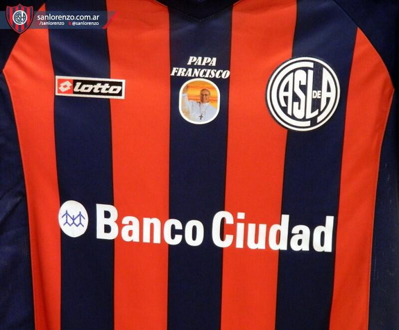 San Lorenzo has Pope Francis photo on shirts