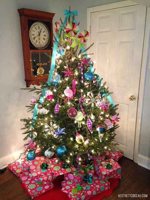 Aesthetic Oiseau Candy Christmas Tree