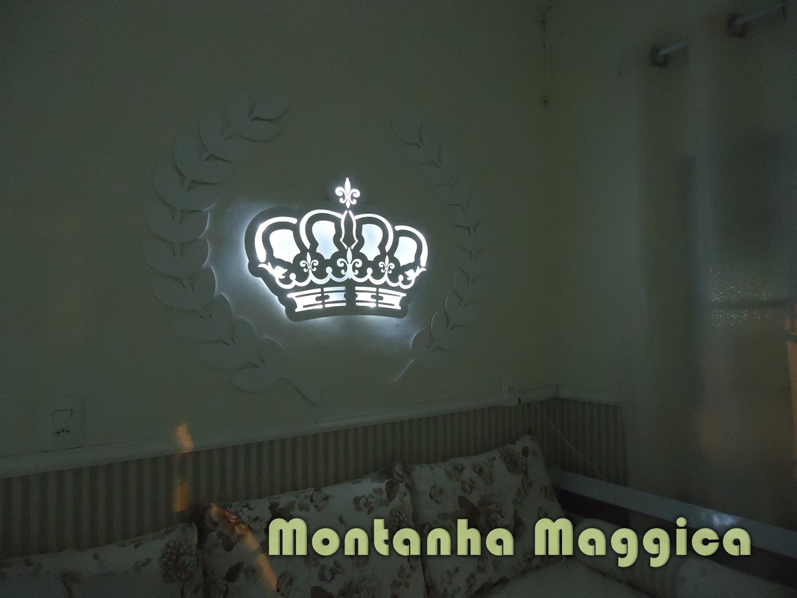 Quadro Para Quarto De Bebe Com Led ~ Quadro de maternidade tema coroa cravejado de strass e ilumina??o