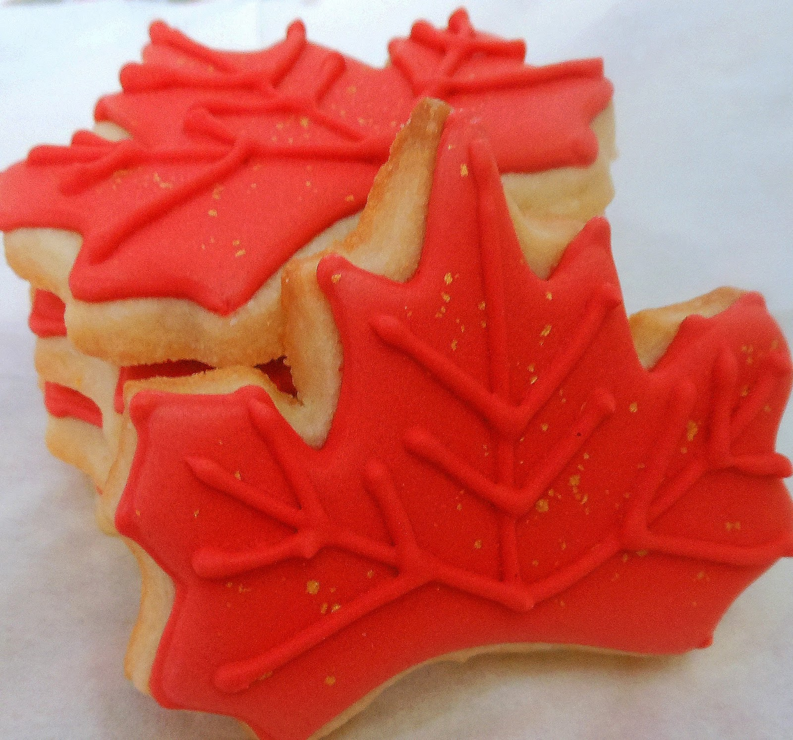 maple leaf cookies maple leaf shortbread cookies royal icing for ...