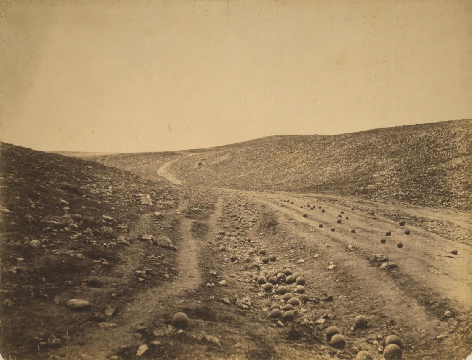 Valle de sombra de muerte. Impresión en papel salado. Roger Fenton. 1855