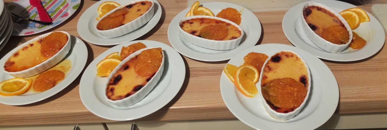 Pâtisserie nadine: crème brûlée mit karamellisierten orangen