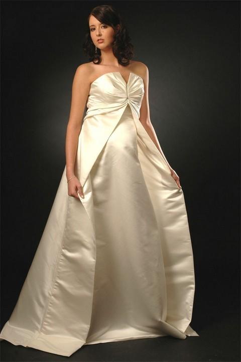 Весільні сукні для вагітних наречених