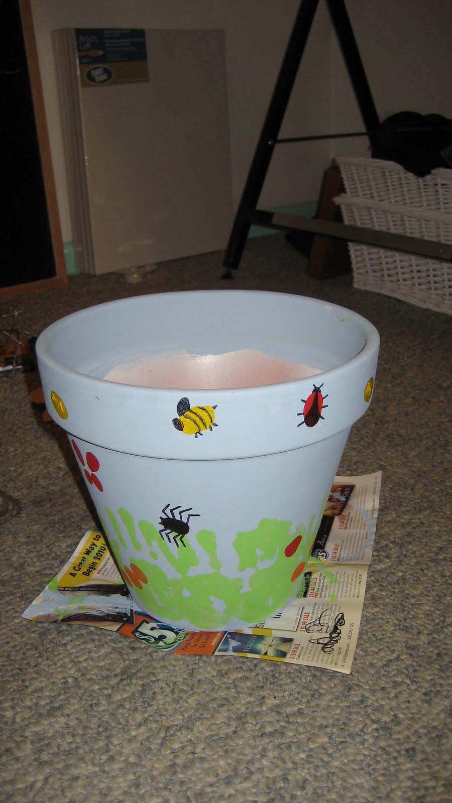 beautiful children's fingerprint crafts - flower pot and star tray