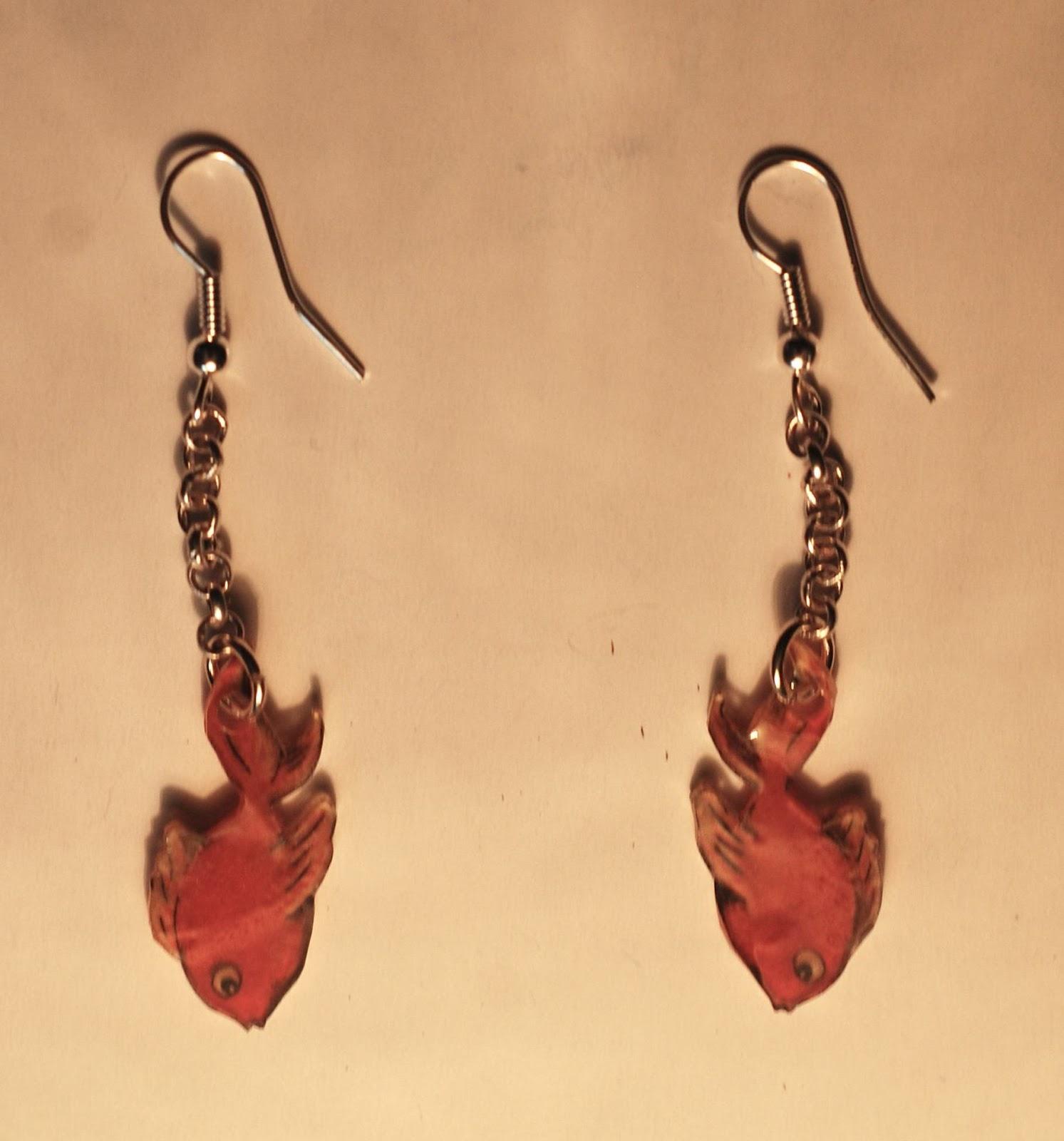 boucles d'oreilles les poisson rouges en plastique dingue