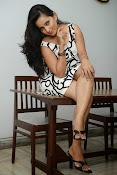 Ishika singh sizzling pics-thumbnail-20