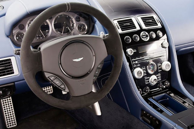 2012-Aston-Martin-V8-Vantage-S-Interior-Entertainment