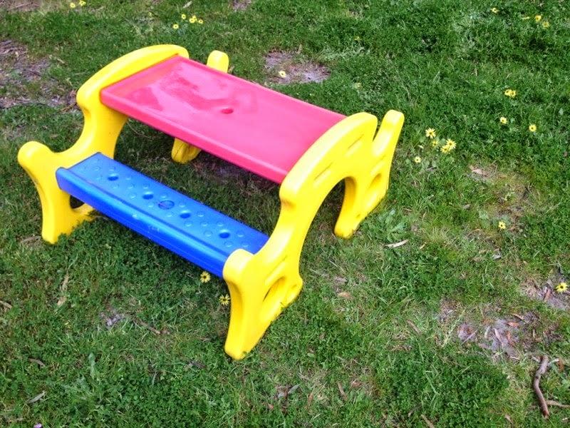 Kids outdoor table Design Ideas