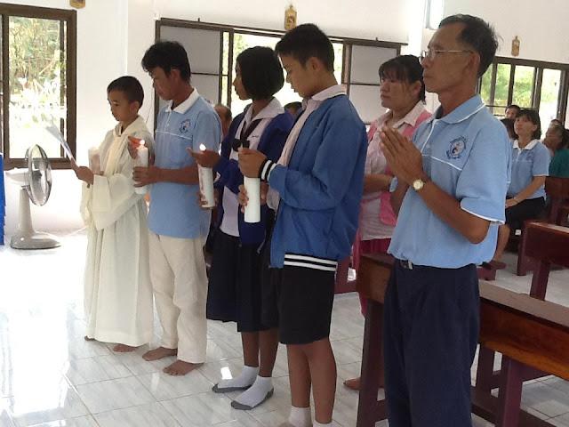 Catequistas de Jan Chay acompañando a jóvenes