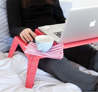 Design a roma appunti da autodidatta design italiano tavolino porta pc o colazione a letto - Porta pc da letto ...