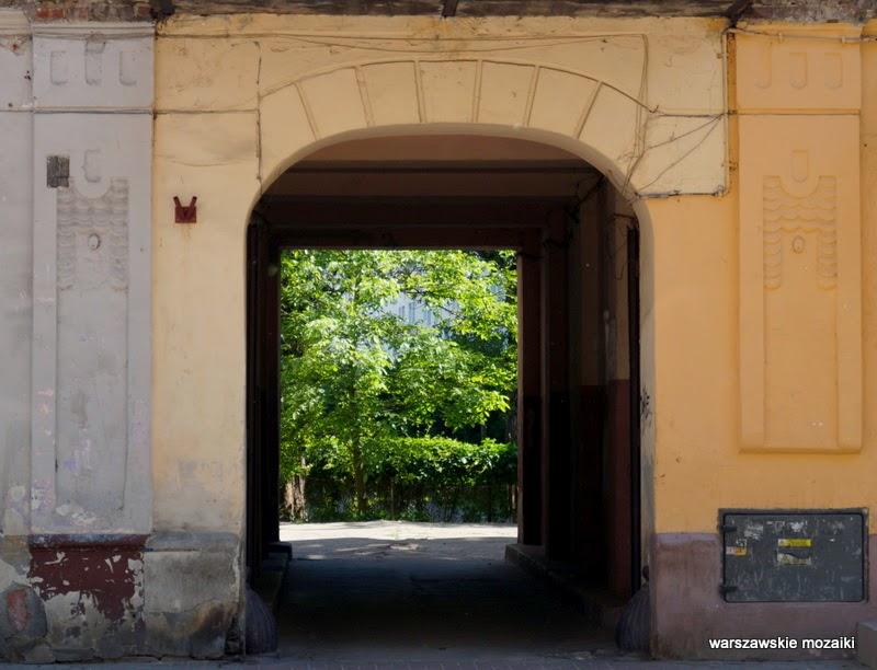 Warszawa Praga Północ warszawskie mozaiki Szmulki cegła brama