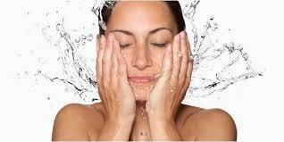 Manfaat Air Dingin untuk Wajah dan Kulit