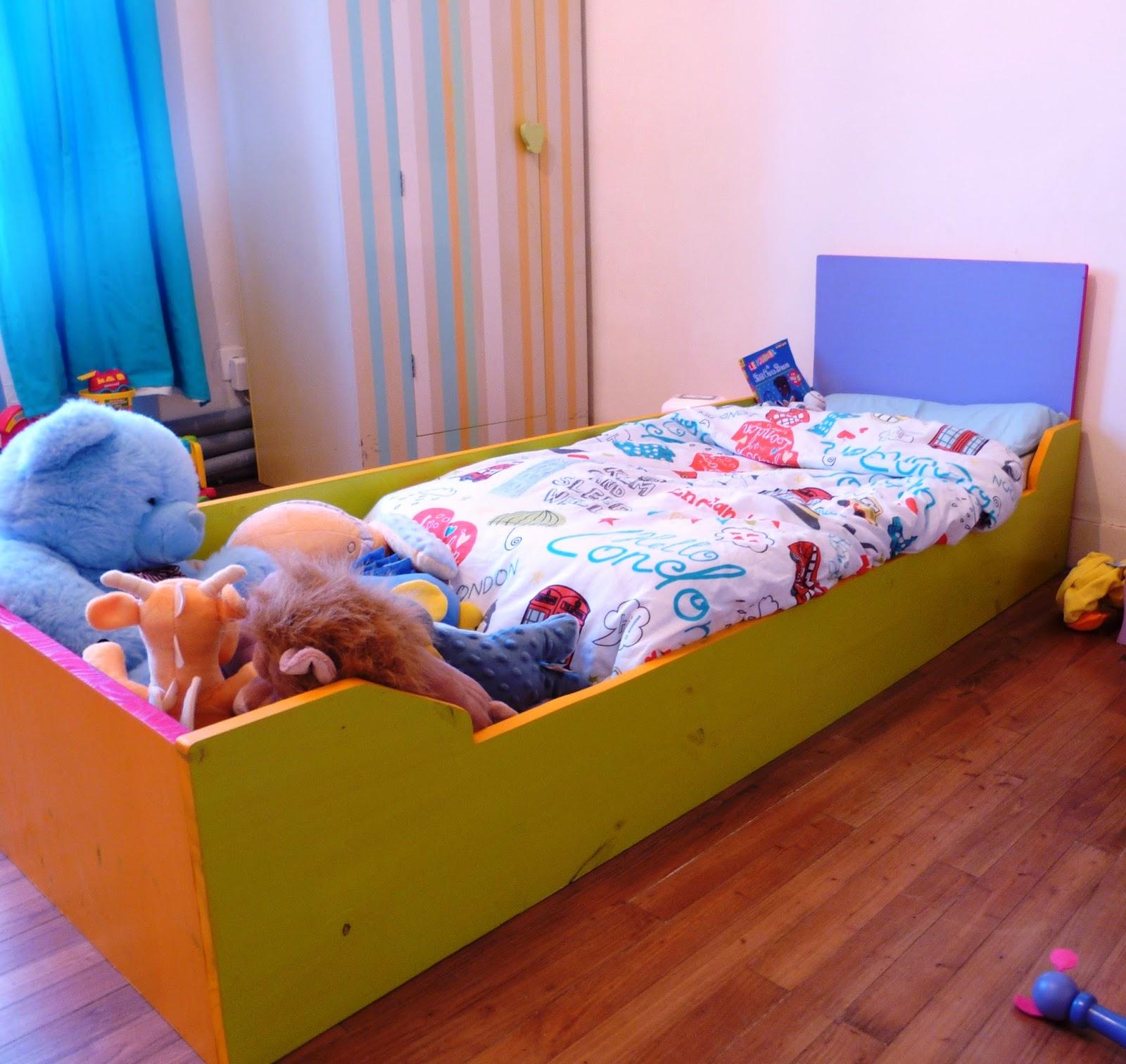 Y a comme du montessori au lieu dit de keringar l 39 univers pour dormir - Dormir sur un futon ...