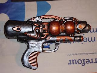 Cómo hacer una pistola steampunk de un juguete de los chinos Steampunk%2B4