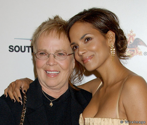 Photo of Halle Berry & her Mother  Judith Ann Hawkins