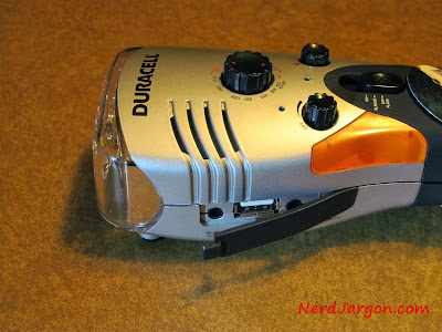 Duracell Hand Crank Emergency Light, Radio and USB Mobile Power
