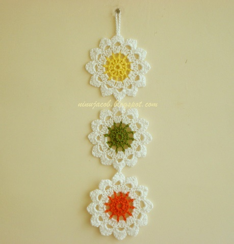 My Experiments with Needle n Thread: Flower Wall Hanging