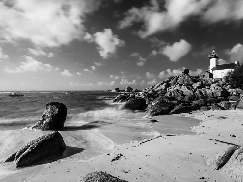 marée montante au phare de Pontusval à Brignogan - Finistère 06052015-P5060194