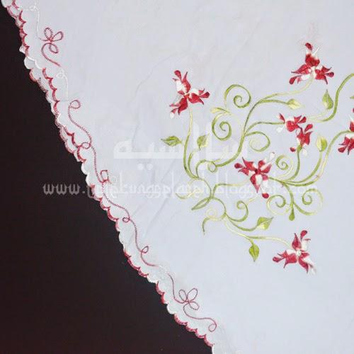 Telekung Vietnam bunga maroon / daun hijau-kuning sulam sisi