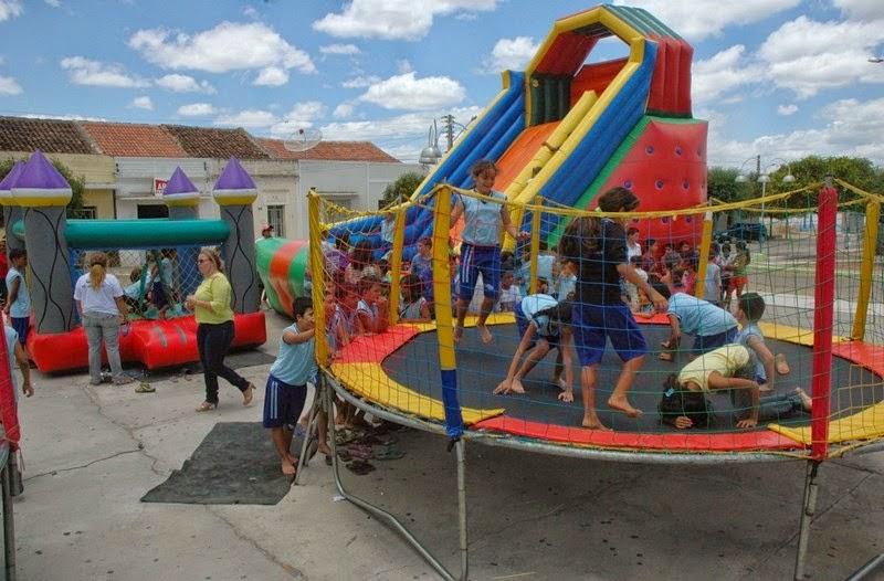 """Prefeitura de São João do Tigre promove o dia """"Criança Feliz"""" na cidade e nos distritos"""