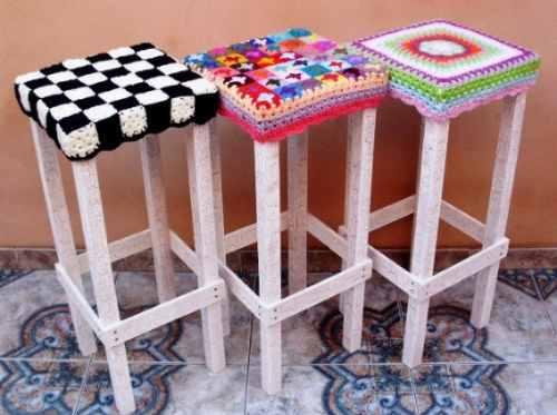 Banquitos tapizados con crochet